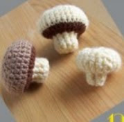 http://translate.googleusercontent.com/translate_c?depth=1&hl=es&rurl=translate.google.es&sl=auto&tl=es&u=http://www.stillvauriens.com/tutos/tuto-la-dinette-en-crochet-12-les-champignons/&usg=ALkJrhjNpwxtBYNDd-dyScUqZ_ZjqCWw0Q