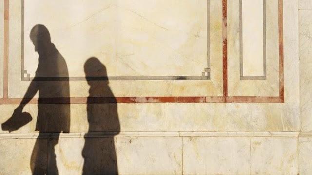 Beberapa Bukti Kehancuran Keluarga dalam Bingkai Kapitalis