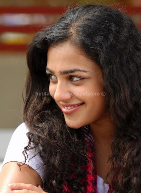 Nithya menon cute smile pics