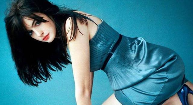 Foto Bugil Anne Hathaway Bocor di Internet
