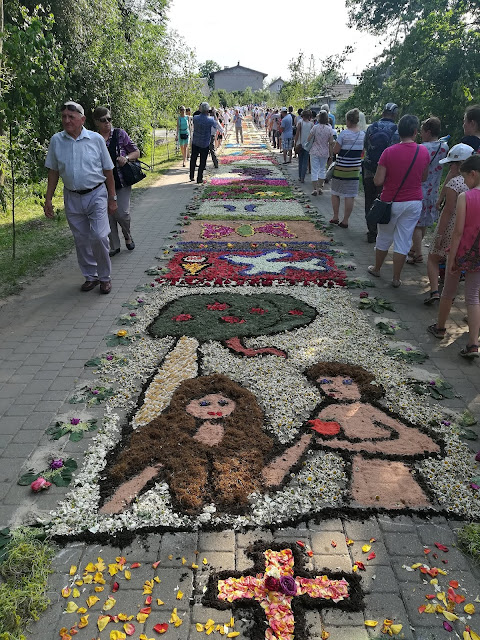 Adam i Ewa dywany kwiatowe