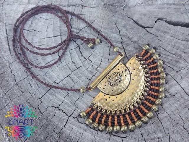Naszyjnik w stylu indyjskim na złotej bazie