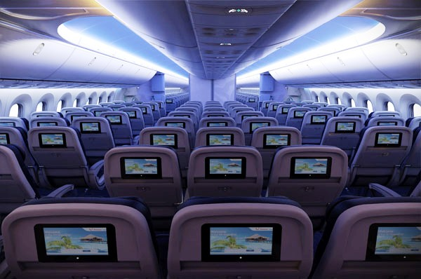 Ex yu aviation news thomson to deploy 787 dreamliner to pula for Avion jetairfly interieur