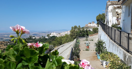a sunny morning in Pisticci- perfect scootering weather.....