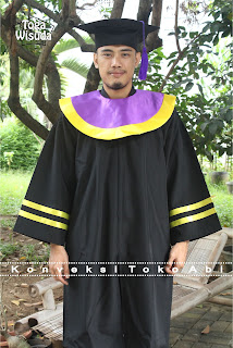 jubah dan toga wisuda Aceh , Sumatera