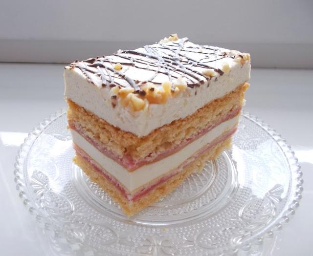 kruche ciasto z dżemem porzeczkowym