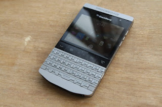 Info Harga Blackberry Knigt 9980 / Blackberry Porsche