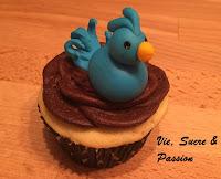 Fondant Bird Cupcake