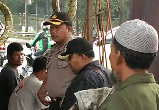 Kapolsek Jatiuwung Evakuasi Mayat Tak Dikenal
