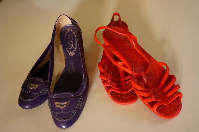 des mocassins vernis violet Tod's et des méduses un peu plus stylées que les classiques  purple patent loafers - Jellyfish sandals