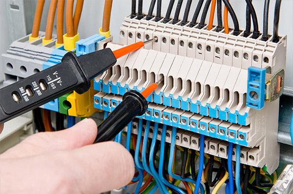Super Livres scientifiques gratuits: Maintenance et Dépannage électrique  ED74