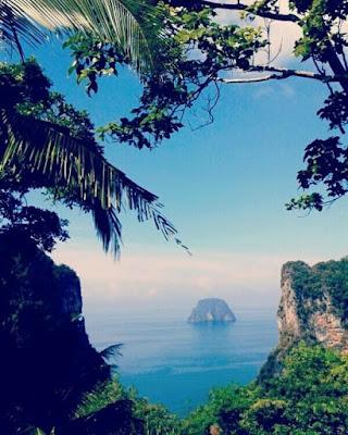 Foto vanaf het uitzichtspunt op Koh Muk
