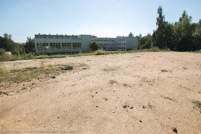 Мини-стадион построят у гимназии № 5 к октябрю