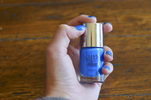 Babbling 'Bout Beauty: The Perfect Blue Nail Polish