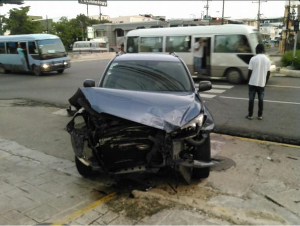 Periodista Edith Febles sale ilesa de accidente de tránsito