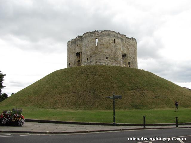 Йоркский замок
