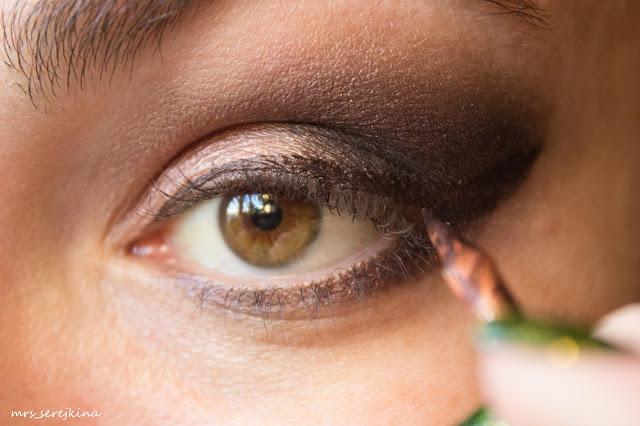 Universal evening make-up: step 10