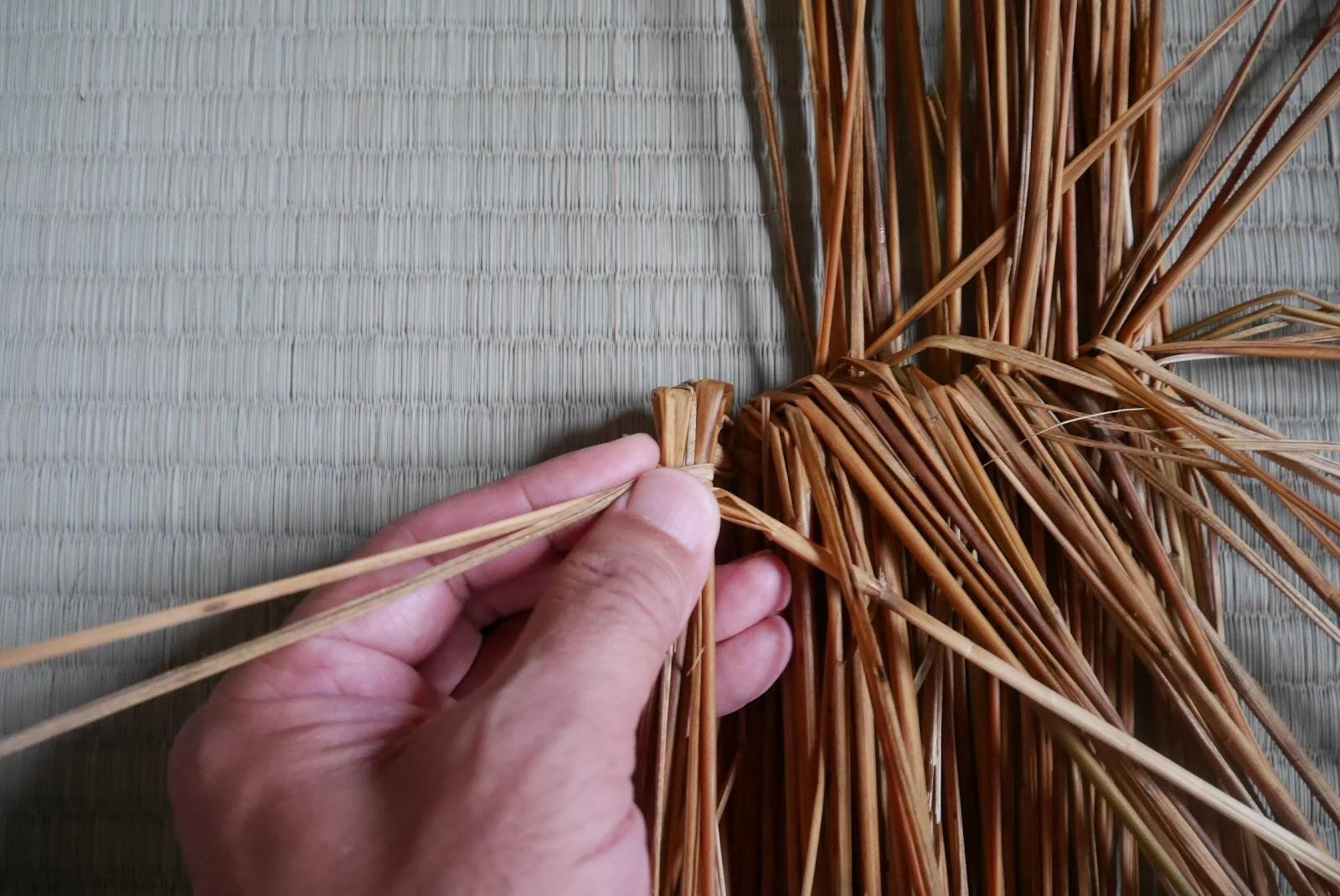 藁 竹 茅: わら細工 といしぶくろ(俵編みタイプ)