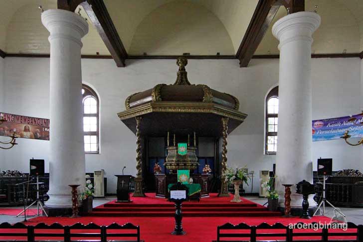 mimbar gereja sion jakarta