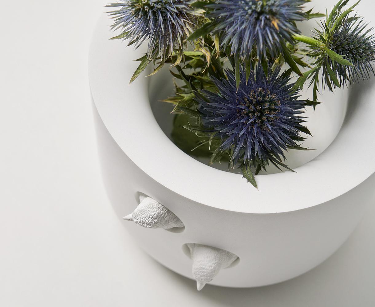doniczka biała ceramiczna
