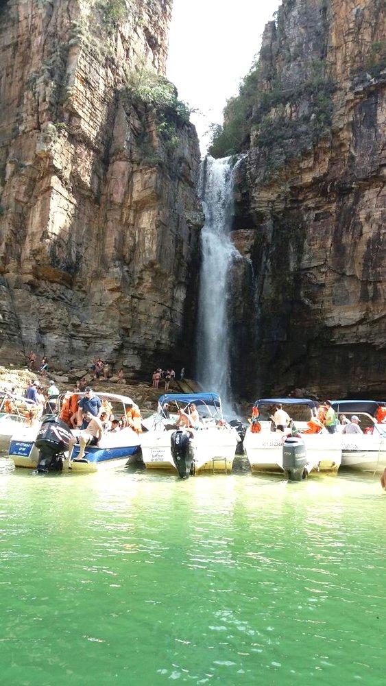 Passeio de lancha pelo Lago de Furnas - www.viajarhei.com