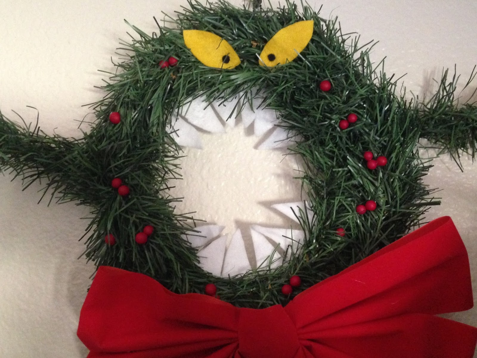 Adventures in DIY: Nightmare Before Christmas Man-Eating Wreath