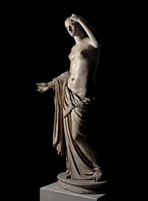 Σερβιτόρος σπάει τον αντίχειρα ρωμαϊκού γλυπτού στο Βρετανικό Μουσείο