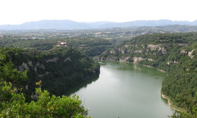 El monestir sobre les aigües