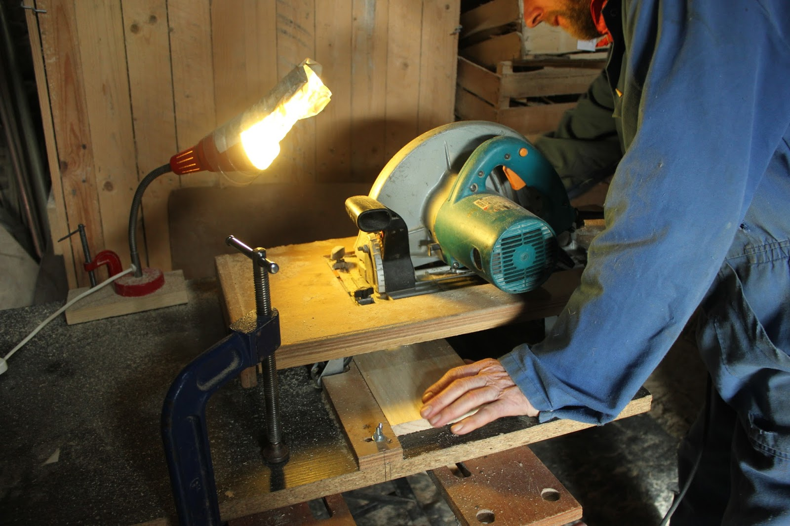 Adding a light to the home-made crosscut saw table