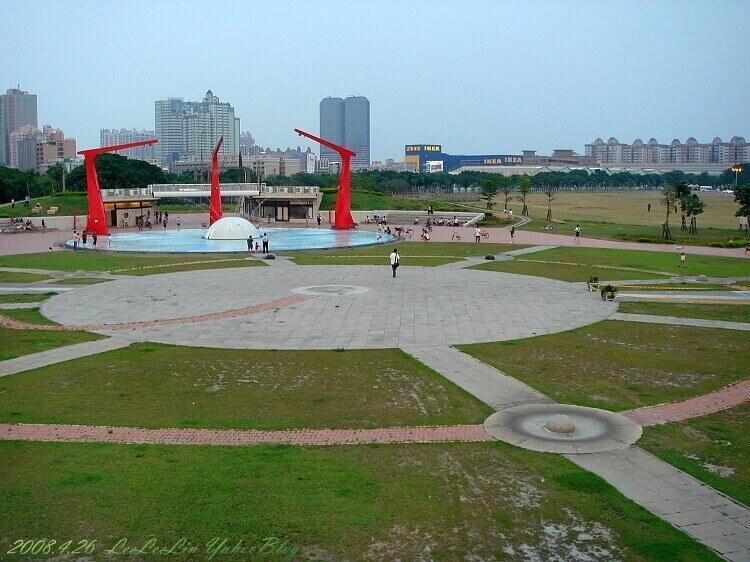 新光碼頭|高雄前鎮區景點|捷運三多商圈站景點