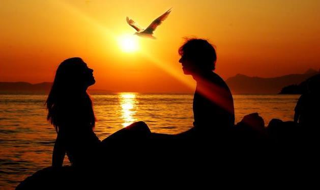 10 Kata Kata Romantis Untuk Pacar