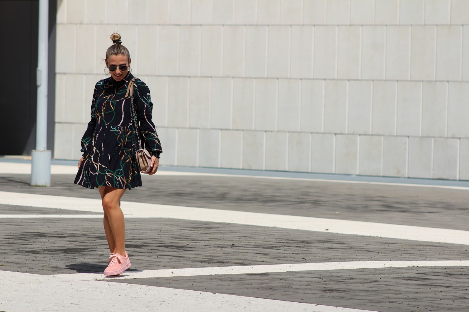 Abbinare minidress e sneakers - Rosegal - Eniwhere Fashion