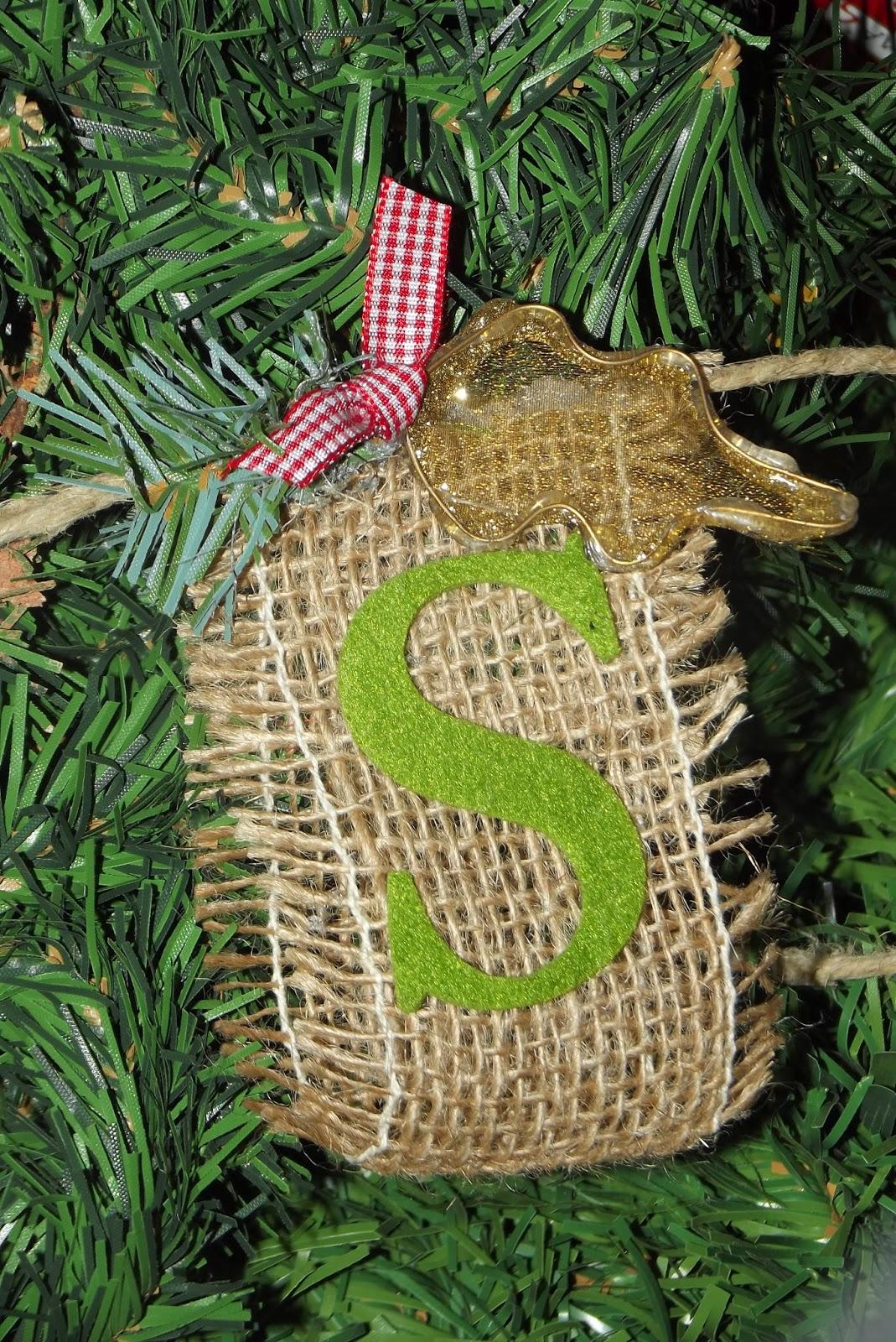 Il bruco festone natalizio in feltro e iuta for Ambiente rustico