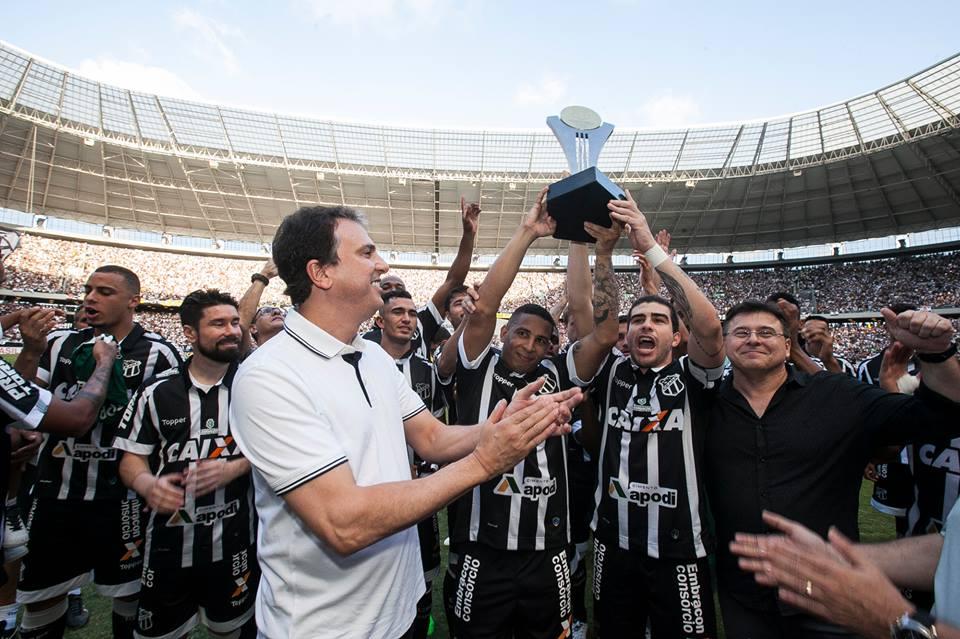 2f0a92594b183 Ceará recebe Taça do Acesso à Série A 2018