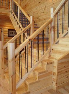 Cầu thang bằng gỗ Thông