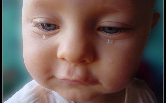 Resultado de imagen de secándose las lágrimas