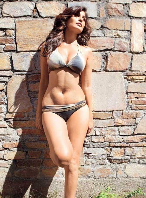 Bollywood Actress And Model Puja Gupta Hot Bikini-2436