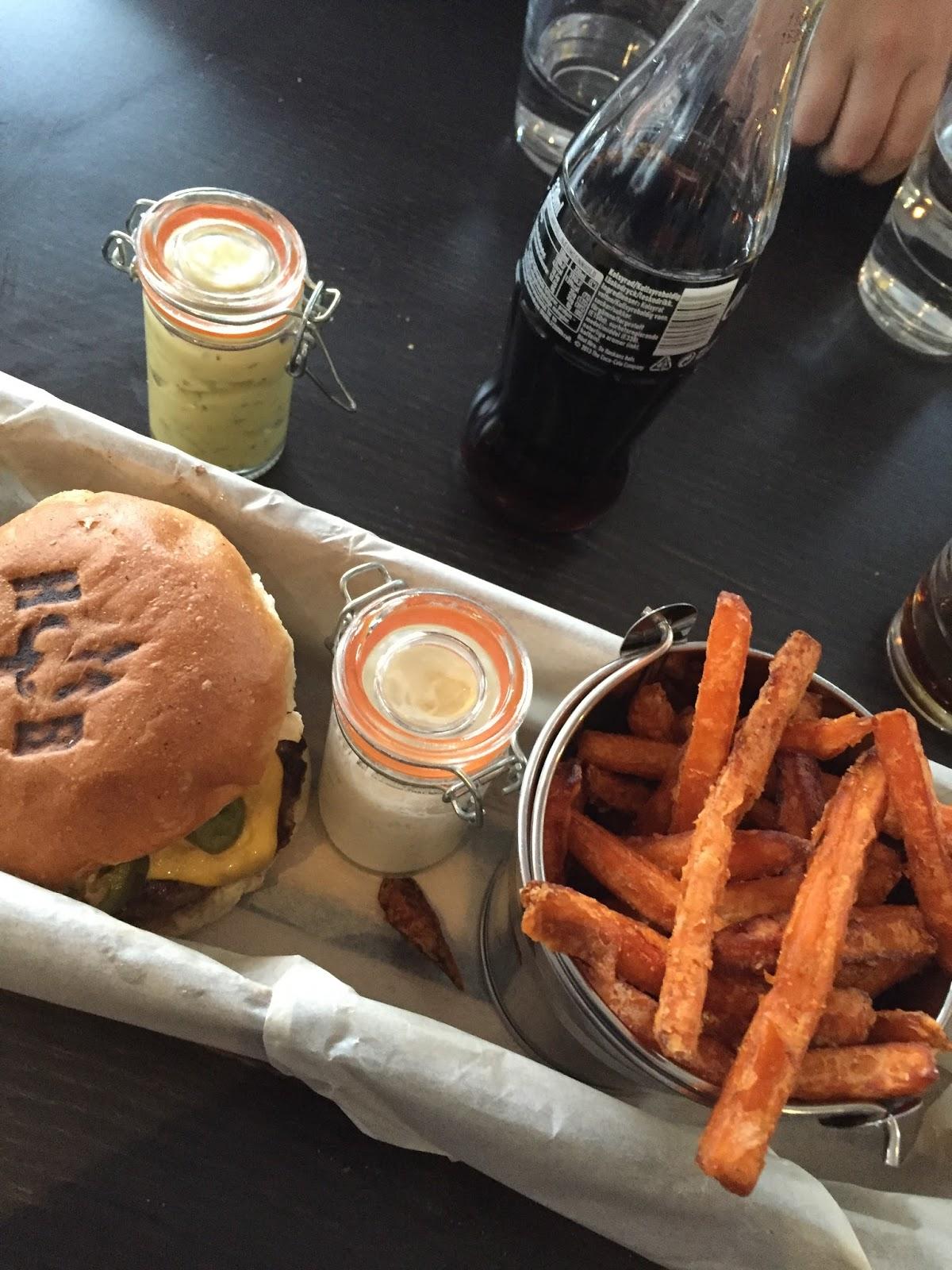 hells burger borås