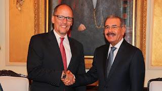 Danilo Medina felicita a Tom Pérez por su elección como presidente del Partido Demócrata