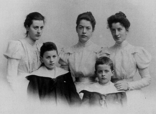 Paul and Ludwig (bottom right), and their sisters, late 1890s