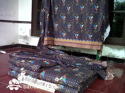 Produksi batik solo