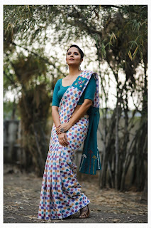 Anasuya bharadwaj latest photos in saree Navel Queens