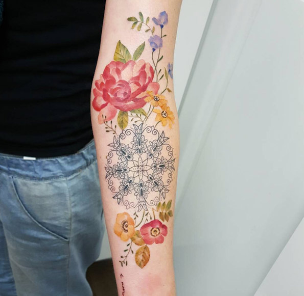 Stunning Hand Flower Tattoos For Women