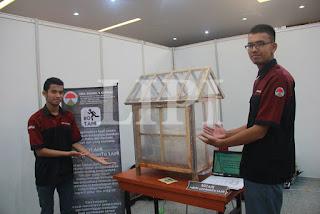 22. Firman Dwiansyah dan Muftie Insani dari SMK Negeri 2 Cimahi dengan Judul Karya BOTANI