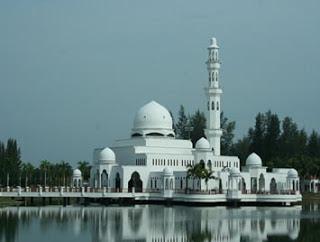 Masjid Terapung Kuala Terengganu