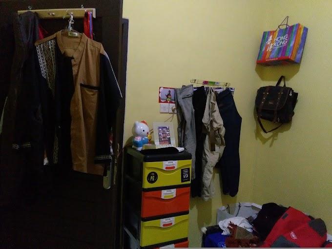 Menata dan Merapikan Pakaian di Lemari Kesayangan