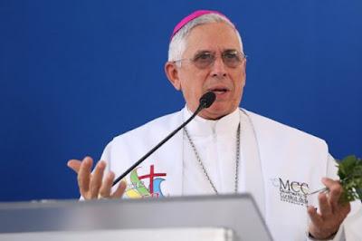 Monseñor José Dolores Grullón Estrella debe renunciar el día 15 de ...