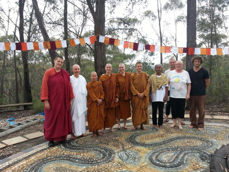 buddhist single women in challenge Today, when the role of women in society is an issue of worldwide interest it is opportune that we should pause to look at it from a buddhist perspective.