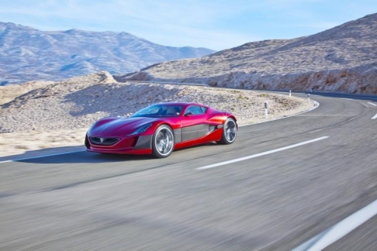 5 Mobil Listrik Terkencang di Dunia