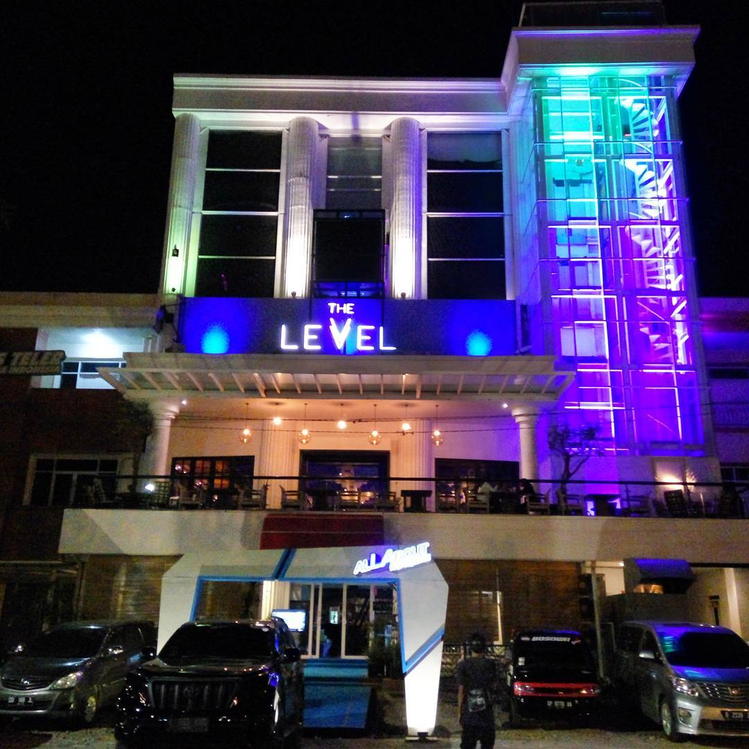 The Level Nightclub Bar Karaoke Makassar